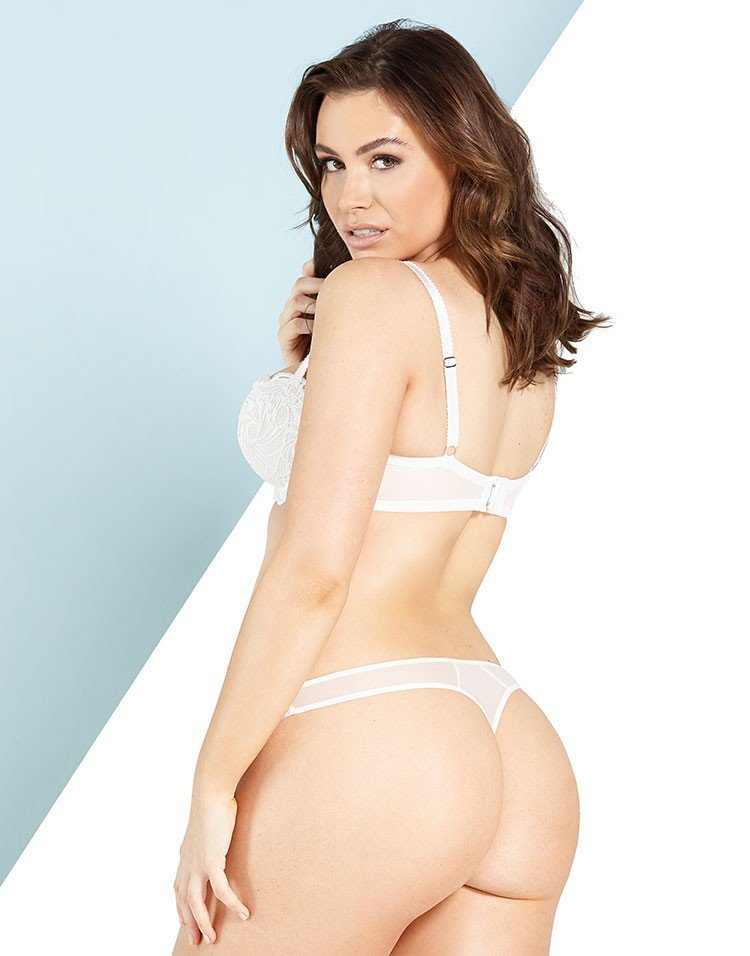 Sophie Simmons Sexy Pics